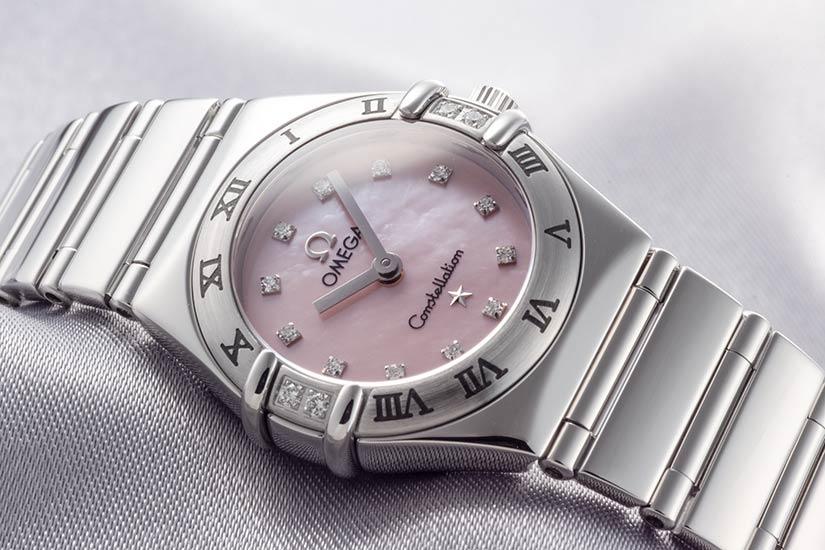 オメガコンステレーション ミニ マイチョイス Ref.1566.66 ステンレス ダイヤモンド入りピンクシェルダイアル ダイヤモンドベゼル 1998年 584番