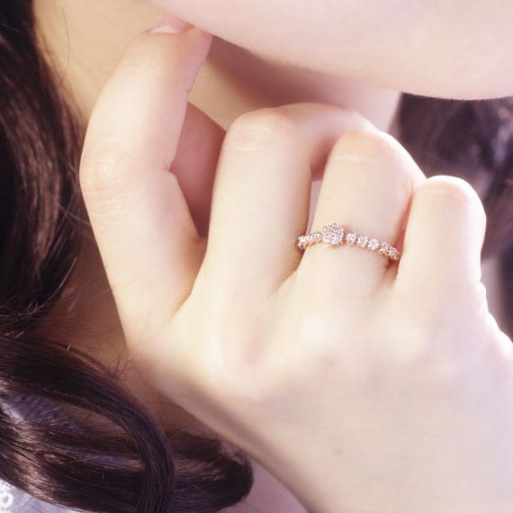 女人白虎屄是啥样_4 月诞生石钻石 0.