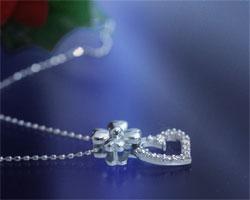 ダイヤモンド K18WGネックレス
