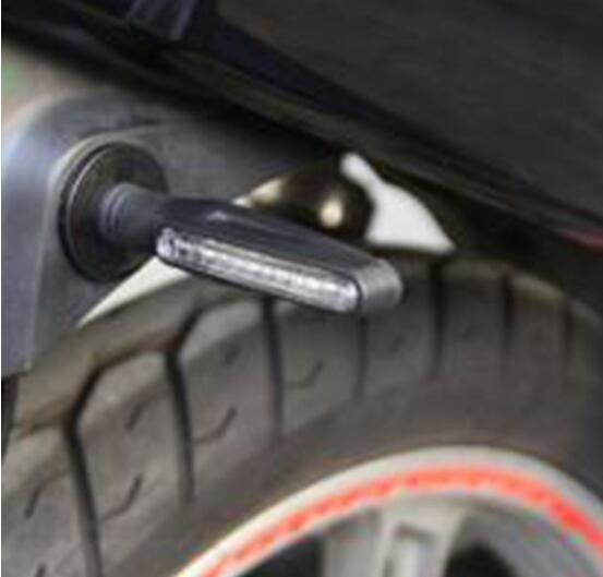 送料無料 バイク 汎用 LED シーケンシャルウインカー 流れるウインカー 4個セット ICウィンカーリレー付
