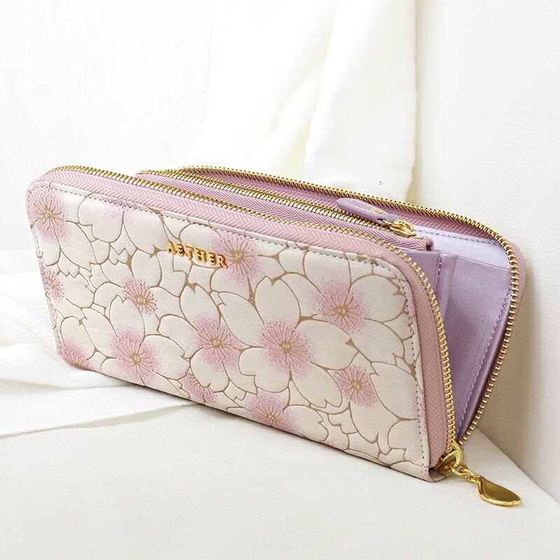 桜のラウンドファスナー長財布