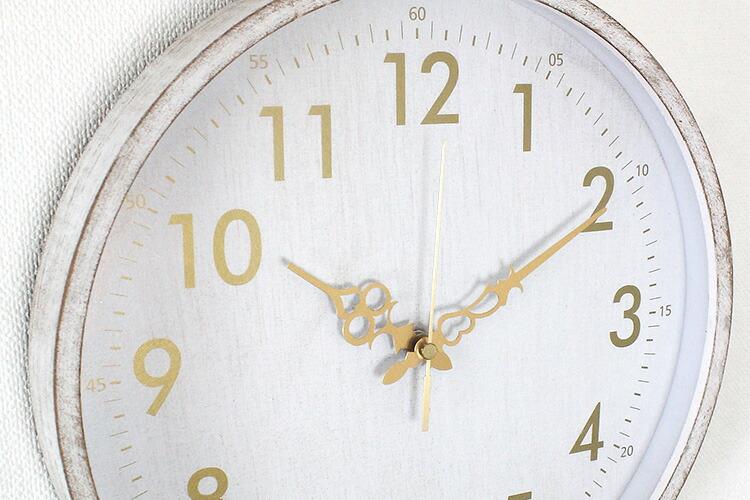 真鍮色のアンティーク調掛け時計