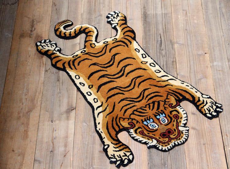 チベタン タイガーラグ ブルー DTTR-01M ミディアム 長さ130×幅75cm ラグマット 玄関マット リビング トラ 敷物 アメリカ雑貨 アメリカン雑貨