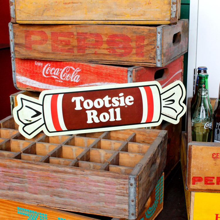 ダイカットメタルサイン Tootie Roll トッツィーロール パッケージ 縦13×横49cm ブリキ看板 インテリア アメリカ雑貨 アメリカン雑貨