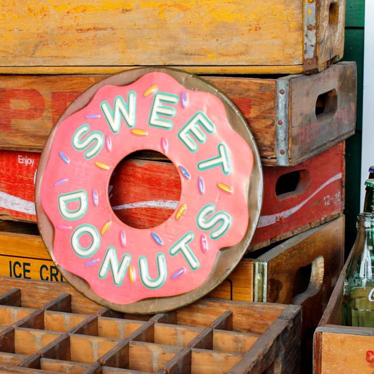 ダイカットメタルサイン SWEET DONUTS スウィート ドーナツ 縦30×横30cm ブリキ看板 インテリア アメリカ雑貨 アメリカン雑貨