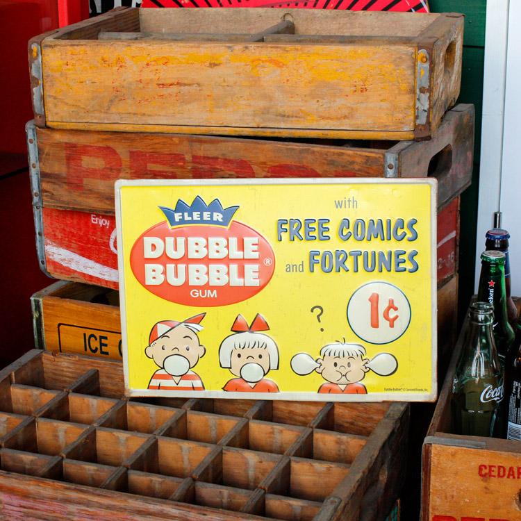 ダイカットメタルサイン DUBBLE BUBBLE ダブルバブル 縦24×横35cm ブリキ看板 インテリア アメリカ雑貨 アメリカン雑貨