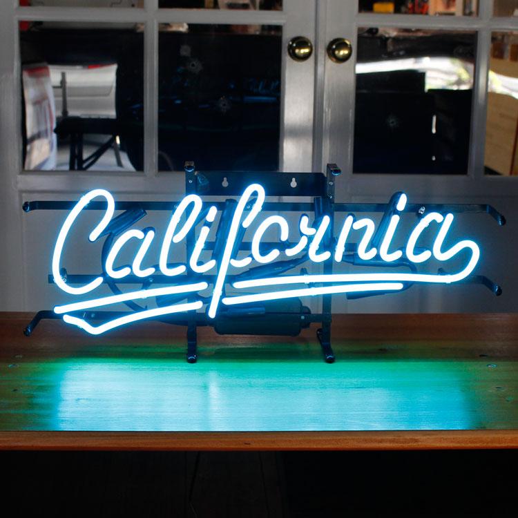 アメリカンネオンサイン California (ブルーネオン) 縦27×横65cm ガレージ インテリア ネオン管 電飾 店舗装飾 アメリカ雑貨 アメリカン雑貨