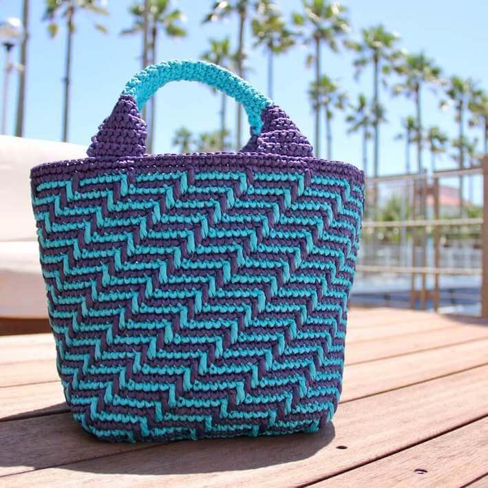夏手芸ラフィア糸で編む夏手芸のマルシェバッグ