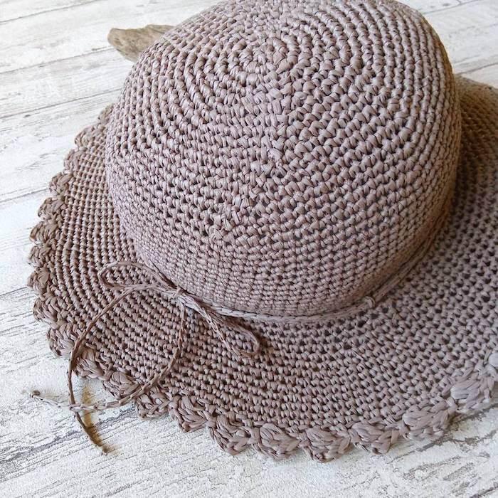 スカラップ柄の麦わら帽子