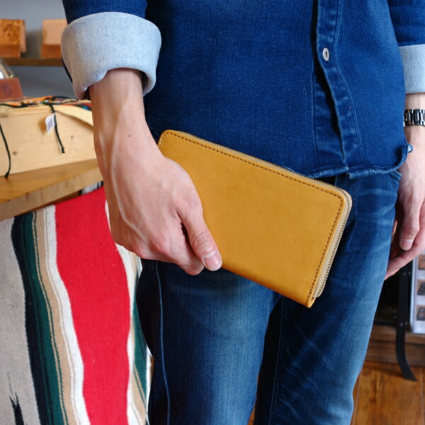 ラウンドファスナー財布