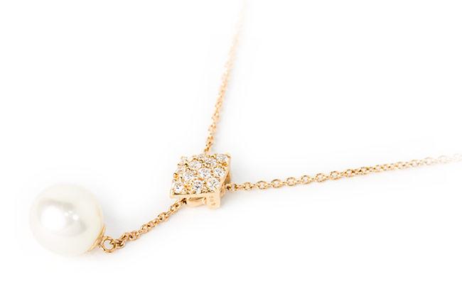 5bfe77651ec 商品種類ペンダント ネックレス石の種類ダイヤモンド 12石 0.09ct パール 6.5mmUP 地金種類K18ピンクゴールド商品仕様ペンダント菱形部分  縦約7mm 横約5mm 厚約4mm