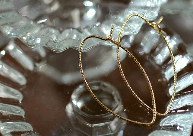 K18 ピアス  elegant leaf hoop M