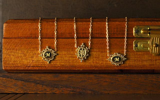 K18 イニシャル ネックレス lace