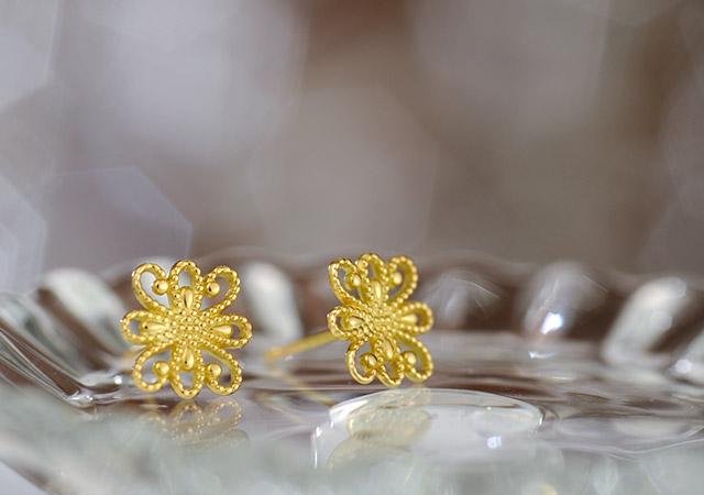 K18 pierced earrings  K18ピアス flora