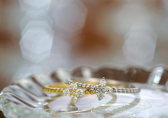 K18 diamond ring angel little flower