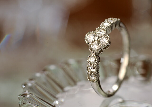 K18 diamond ring flower basket