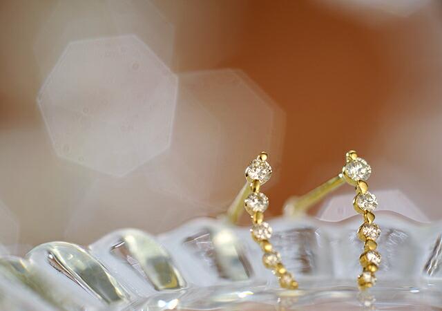 K18 ダイヤモンド ピアス mark
