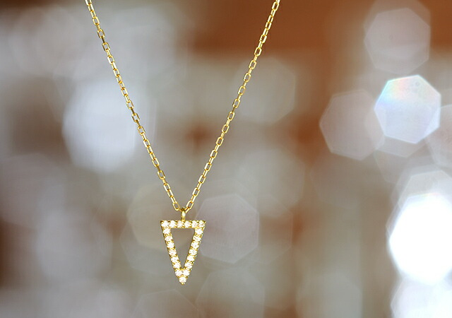 K18 diamond necklace compass