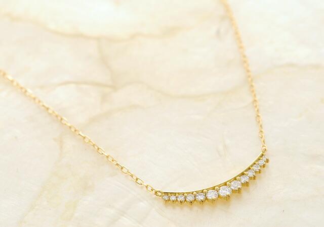 K18 diamond necklace