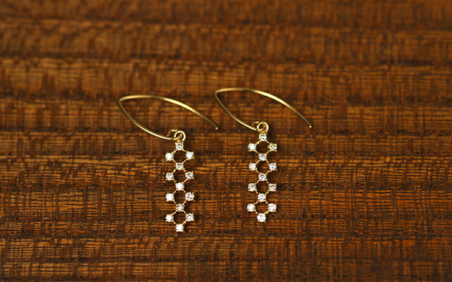 K18 diamond pierced earrings joint