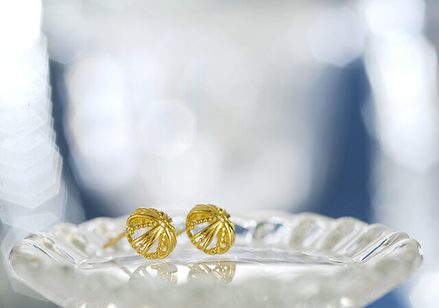 K18 pierced earrings dome