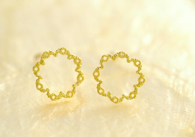 K18 pierced earrings grainy circle