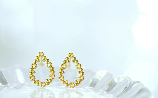 K18 pierced earrings grainy drop