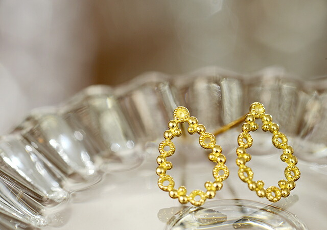 K18 pierced earrings grainy drop
