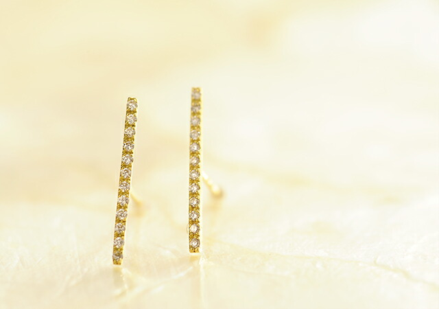 K18 diamond pierced earrings straight