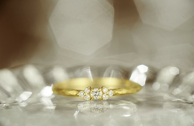 K18 diamond ring shimmer