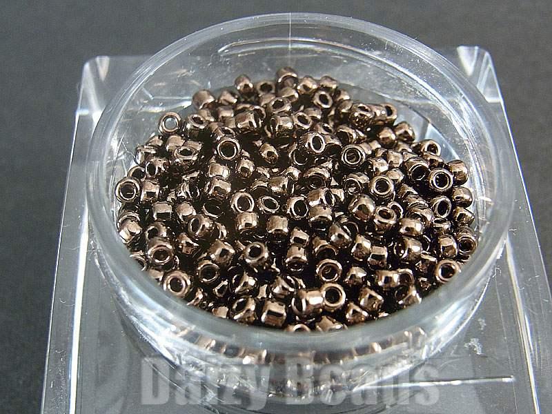 【丸小ビーズ・ダークブロンズ】 高品質日本製丸小ビーズ 1.9mm 約970ヶ(10g)
