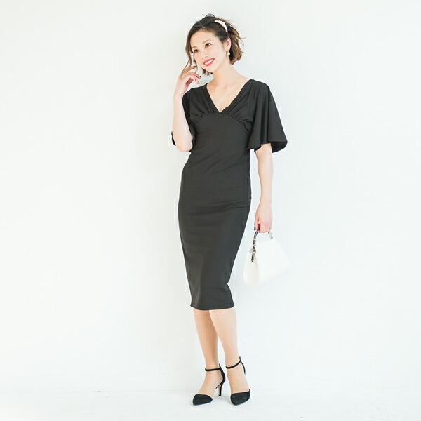 aba3e7e639d89 肌に吸い付くようなストレッチ素材が魅力的なワンピースドレス。バスト下からボディラインを美しく見せるタイトな切り替えデザインですが伸縮性のいいストレッチ生地を  ...