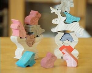 子供と一緒に飾る組み木の五月人形