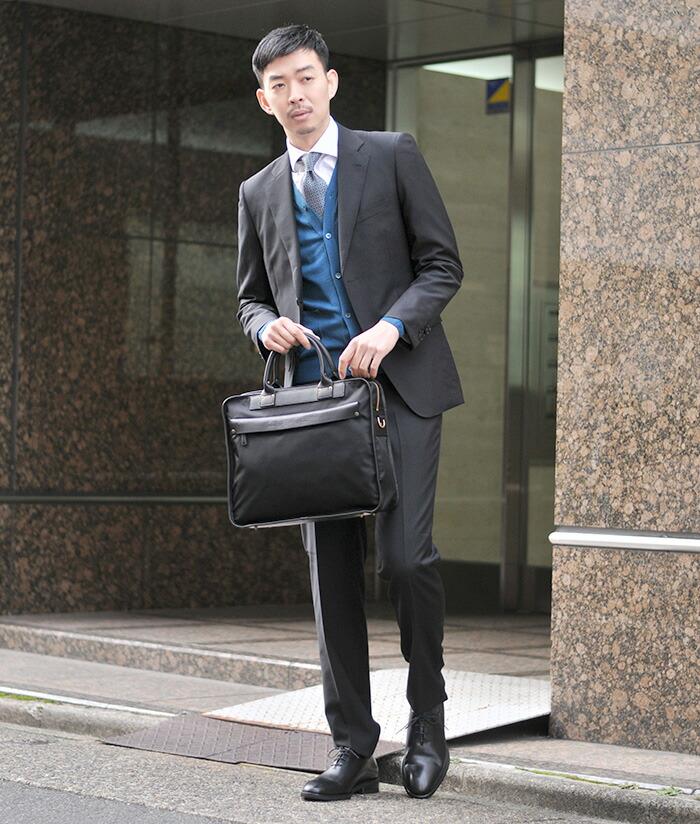 冬のスーツスタイルをイタリア流に着こなすビジネスコーデ
