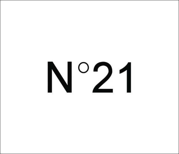 N°21 ヌメロヴェントゥーノ