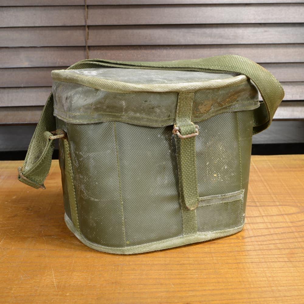 フランス軍放出品 ショルダーバッグ 防水 セミハードケース