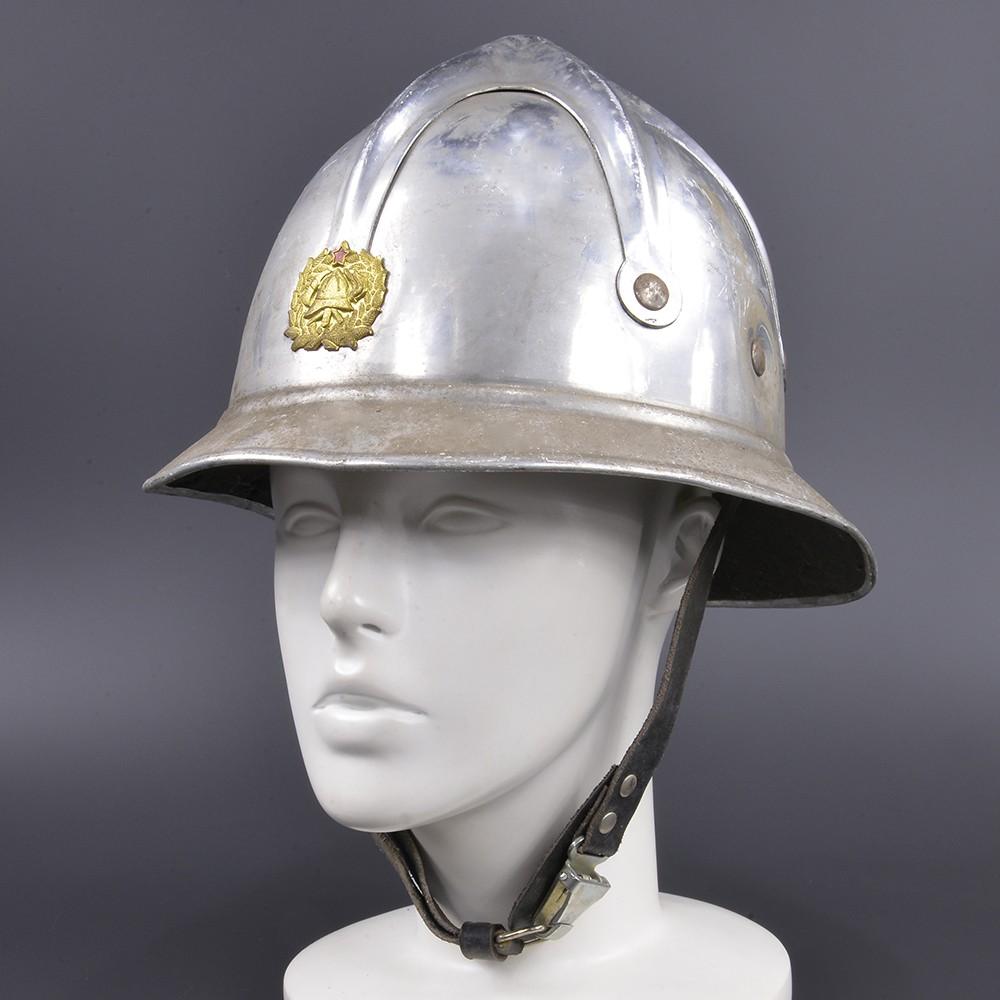 セルビア ファイヤーマンヘルメット USED