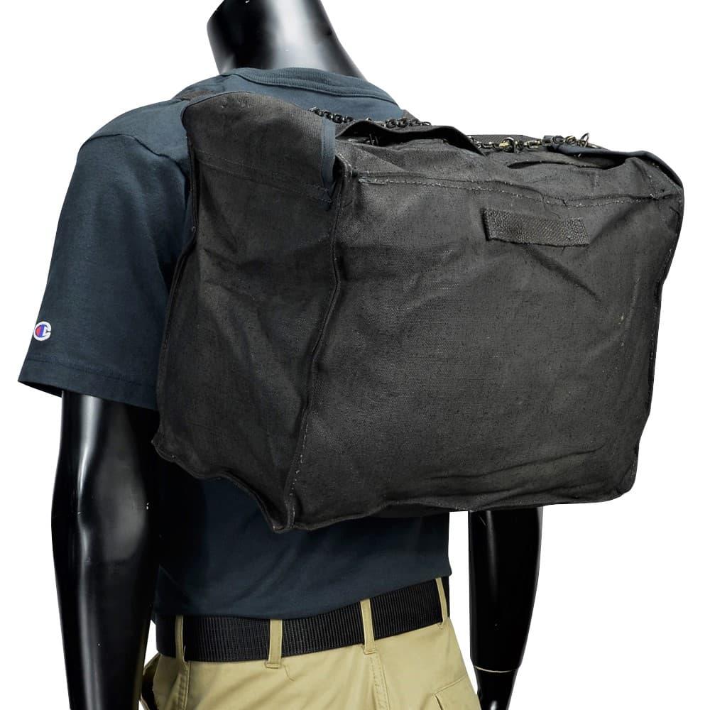 イタリア軍放出品 バックパック チェーン付き ブラック コットン製