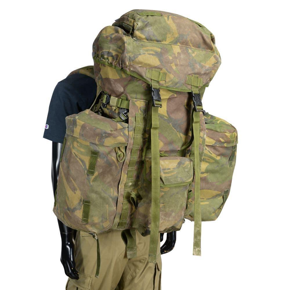 イギリス軍放出品 バックパック DPM迷彩 MOLLE対応 サイドポーチ搭載