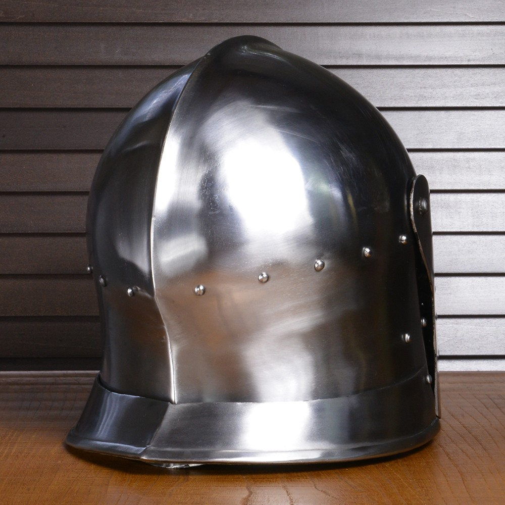Sallet helmet knight helmet plate Armour knight protective gear defense  iron steel leather chin strap European in the Western armor Middle Ages