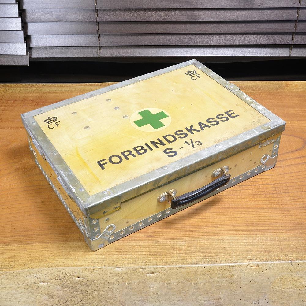 デンマーク軍放出品 メディカルボックス 木製