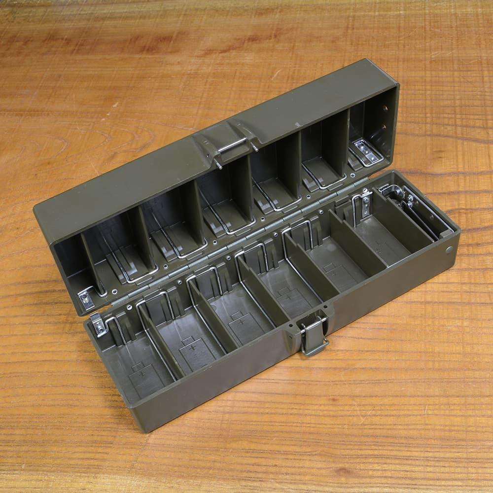 スウェーデン軍放出品 ラジオ用バッテリーボックス RA-140用