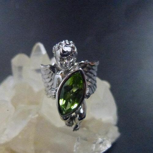 AAAグレード天然ペリドット大粒マーキスカット宝石を抱えるガーディアンエンジェルリング(ロジウム加工、スターリングシルバー)ハンドクラフト一点もの天使の指輪ジュエリー、アクセサリー