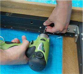 デッキ材さえ用意すれば、90分でウッドデッキが完成します。