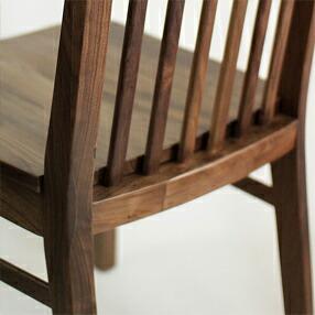 無垢材で作るテーブルとお揃いのダイニングチェア 華蓮(かれん)