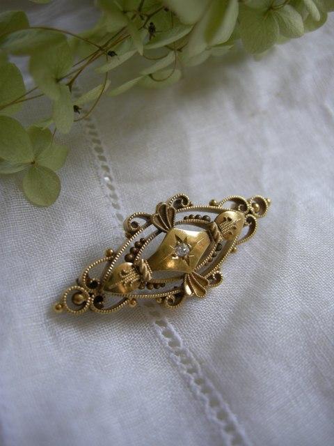 アンティーク ダイヤモンドのゴールドブローチ
