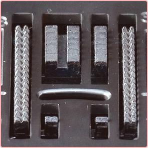 7枚送り歯<br>薄物の布縮みや布はしからの縫い始めに効果があります。