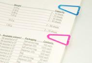 ただ、書類をまとめるだけでなく、色分けしてインデックスやしおりとしても使えます。