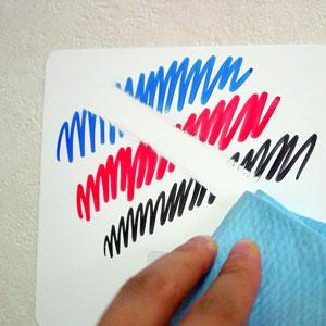 水分でインクの色自体が消える為、とてもキレイに消えます