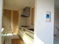 キッチンの壁に掲示スペース